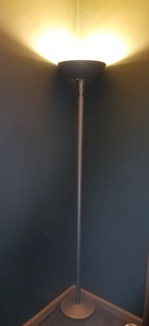 Floor lamp. for Sale in Southaven, MS
