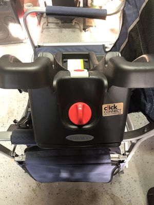 Graco click to connect car seat base for Sale in Ontario, CA