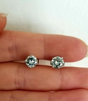 New 2ct ligh blue moissanite diamonds stud earrings for Sale in Bloomfield Hills, MI