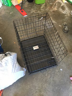 Small dog crate 24 inch for Sale in Belleville, IL