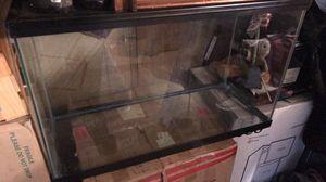 In amazing condition fish tank for Sale in Uvalda, GA