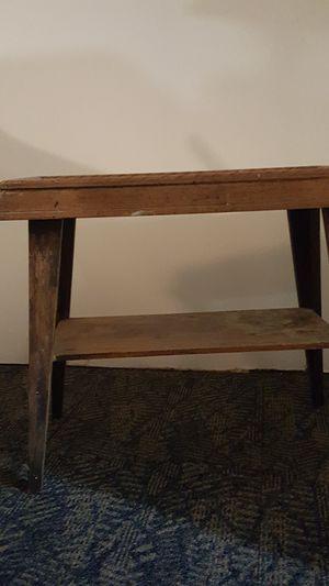 antique end table for Sale in BRECKNRDG HLS, MO