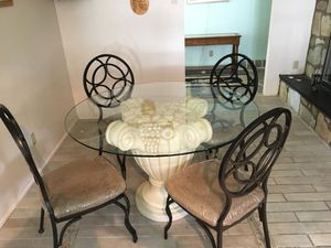 Unique Kitchen Table w/4 Chairs for Sale in Sewell, NJ