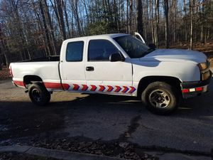 2004 king cab chevy Silverado off road 4x4 for Sale in Alexandria, VA