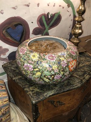 Flower pot for Sale in North Brunswick Township, NJ