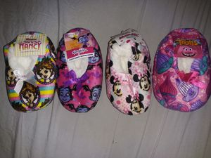 Kids slippers 2t/3t for Sale in Lake Worth, FL