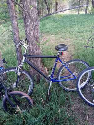 Plaasti diped giant mountain bike for Sale in Denver, CO