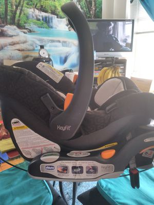 Chicco car seat for Sale in Washington, DC
