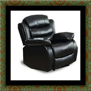 Black recliner chair for Sale in Hyattsville, MD