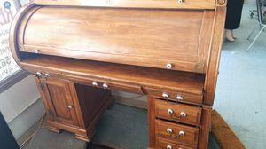 Antique desk for Sale in Rialto, CA