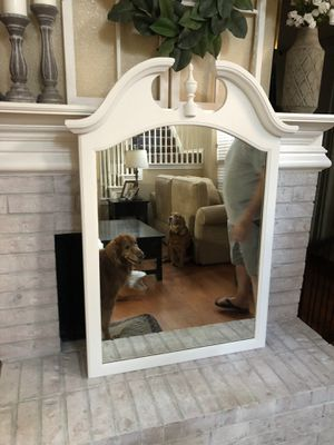 White Antique solid wood mirror for Sale in Irving, TX
