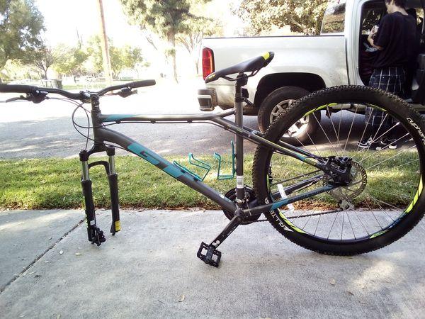 GT Men's Aggressor Pro Mountain Bike