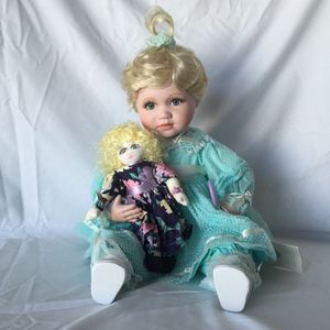 "Connie Walser Derek Porcelain ""Amanda"" Doll for Sale in Miami, FL"