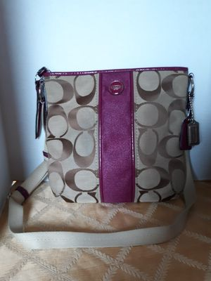 Coach F21950 Crossbody Messenger Shoulder Bag for Sale in Suffolk, VA