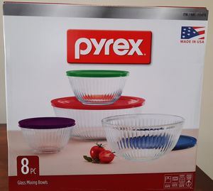 Pyrex 8 pc mixing bowl set for Sale in Huntington Beach, CA