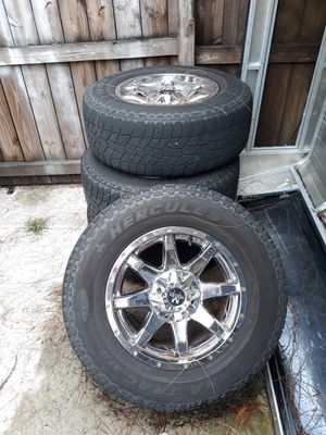 "Monster rims and tires 5 lug 17"" 256/70/17 for Sale in Tampa, FL"