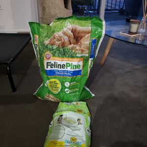 Cat Litter And Pee Pads for Sale in Seattle, WA