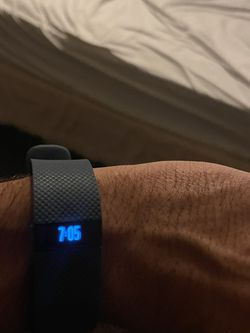 Fitbit charge HR Newer model for Sale in Centreville,  VA