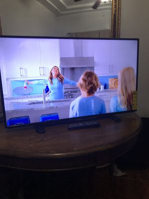 Insignia tv 40 inches with remote control not a smart perfect working conditions for Sale in Chicago, IL
