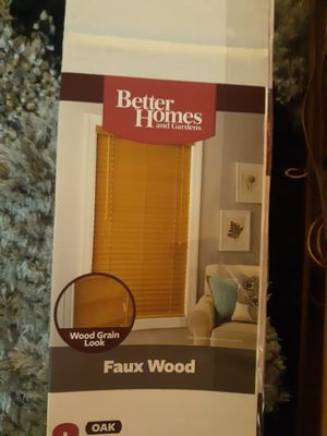 Better Homes* (faux wood) oak blinds (new) for Sale in Merced, CA
