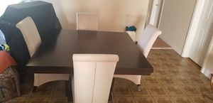 Table 4 chairs for Sale in Paterson, NJ
