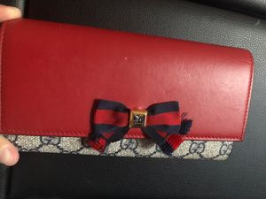 Gucci Wallet Red Navy for Sale in San Leandro, CA