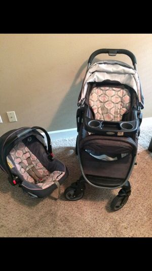 Graco car seat and stroller Francesca for Sale in Houston, TX
