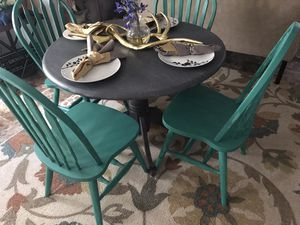 Farmhouse/Shabby chic KITCHEN table & 4 Chairs ONLY😍NOT selling separate-No Holds,MUST pick it up😃 for Sale in Garner, NC