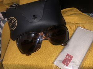 Brand New Women's Ray Ban Sunglasses for Sale in Fort Worth, TX