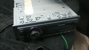 Pioneer DEH-P59001B car radio for Sale in Beaumont, TX