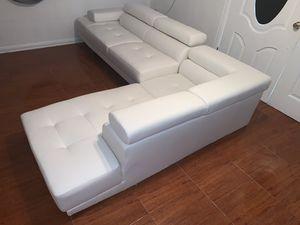 Premium white leather couches for Sale in Miami Gardens, FL