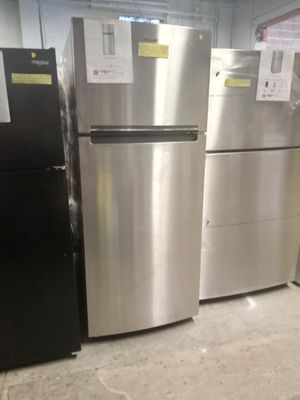 NEW SCRATCH AND DENT WHIRLPOOL STAINLESS STEEL TOP FREEZER FRIDGE 28 IN W/6 MONTHS WARRANTY for Sale in Baltimore, MD