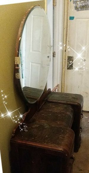 Vanity with mirror for Sale in Kennesaw, GA