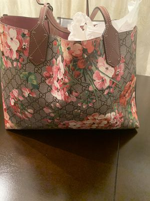 100% Authentic***Brand New *** Gucci Blooms Reversible Bag for Sale in Atlanta, GA