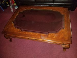 Elegant wooden glass top center table for Sale in Huntington Park, CA