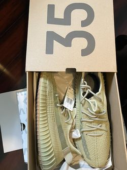 YEEZY 350 SULFUR 12 for Sale in Los Angeles,  CA
