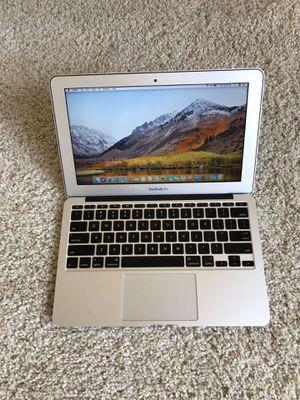 MacBook Air 11 inch for Sale in Los Angeles, CA