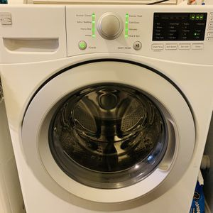 Kenmore 41262 HE Front Load Washer for Sale in Fresno, CA