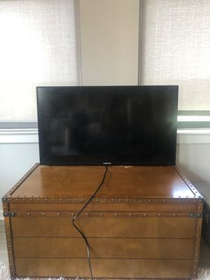 40 inch TV for Sale in Alexandria, VA