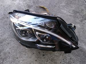 2015 - 2018 Mercedes Benz C class Right Active led headlight for Sale in Hollywood, FL