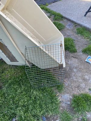 Large dog crate for Sale in Norristown, PA
