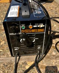 Chicago 225 amp arc welder$$75$$ Moving Sale for Sale in Waco, TX
