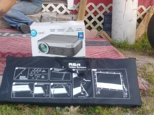 Projector & Screen for Sale in Okeechobee, FL