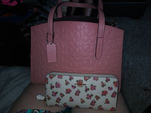 Coach purse with wallet for Sale in Wichita, KS