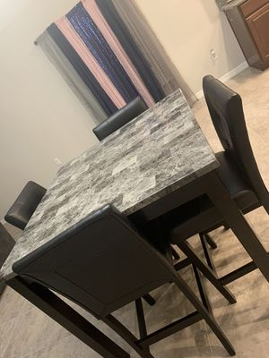 Dining room table for Sale in Ruskin, FL