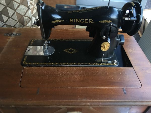 Antique Singer sewing machine & built into table WORKS