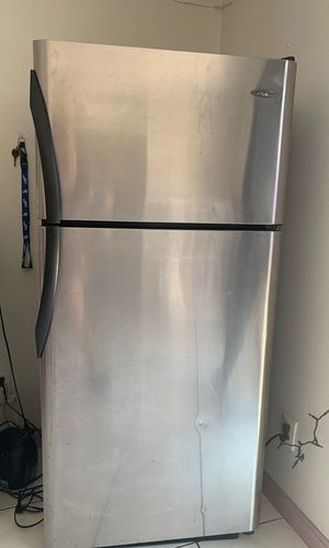 Frigidaire Refrigerator for Sale in San Fernando, CA