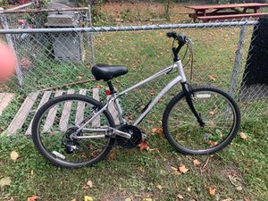 GIANT®️mountain bike: sizes for 5 '3 - 6 '0 for Sale in Haverhill, MA