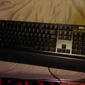 Onn Keyboard Green LED for Sale in Citrus Heights, CA
