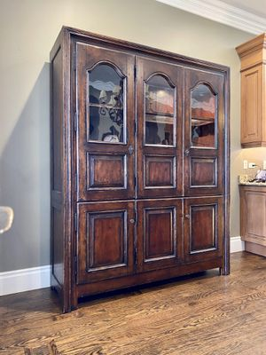 China cabinet (Ralph Lauren by Henredon) for Sale in Hinsdale, IL